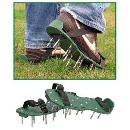 Sandale za prozračivanje travnjaka